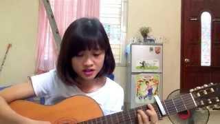 Tôi thấy hoa vàng trên cỏ xanh guitar cover [Ái Phương] - by Huyền xù 2015