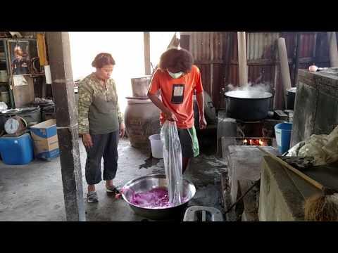 Thai Silk Dyeing 3