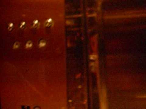 Westinghouse Traction in Bloomingdale's-11/15/08 Retake