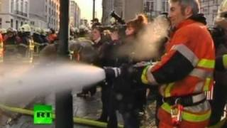 Firefighters vs Cops: Striking fire officers soak PM office in Brussels