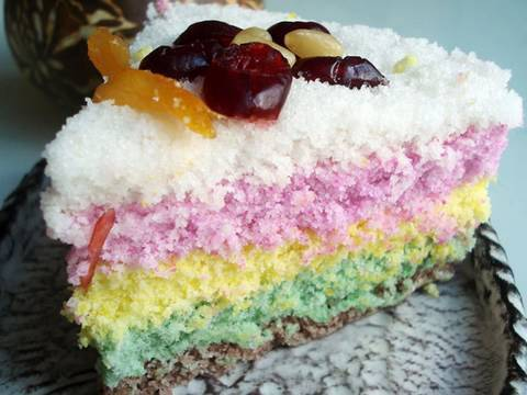 "Rainbow rice cake (""mujigaeddeok"":무지개떡)"