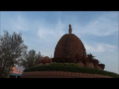 مدينة كامبوت المشهورة بفاكهة جاك \ Discovering Kampot City in Cambodia | Vlog#77