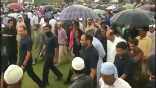 hundreds-of-people-tearful-farewell-to-rising-kashmir-editor-shujaat-bukhari