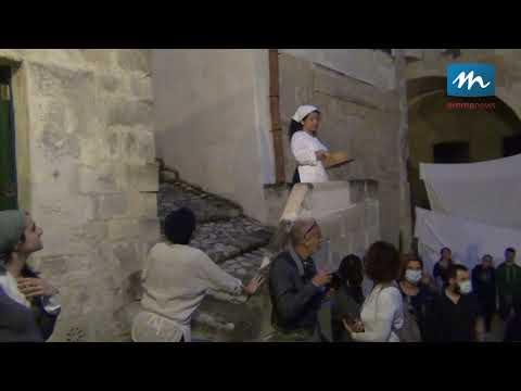 Nei vicoli del Sasso Barisano rivive la Matera del...