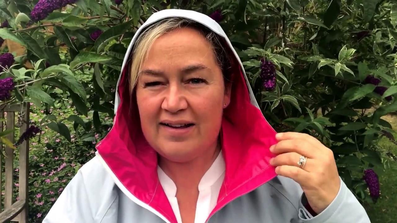 f5ceda57a Berghaus Women's Stormcloud Waterproof Jacket #Review - YouTube