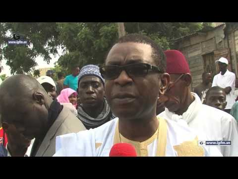 Youssou Ndour à la levée du corps du chanteur Abdoulaye Mbaye
