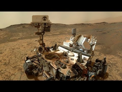 "Curiosity Rover Begins Its First ""Walkabout"" 