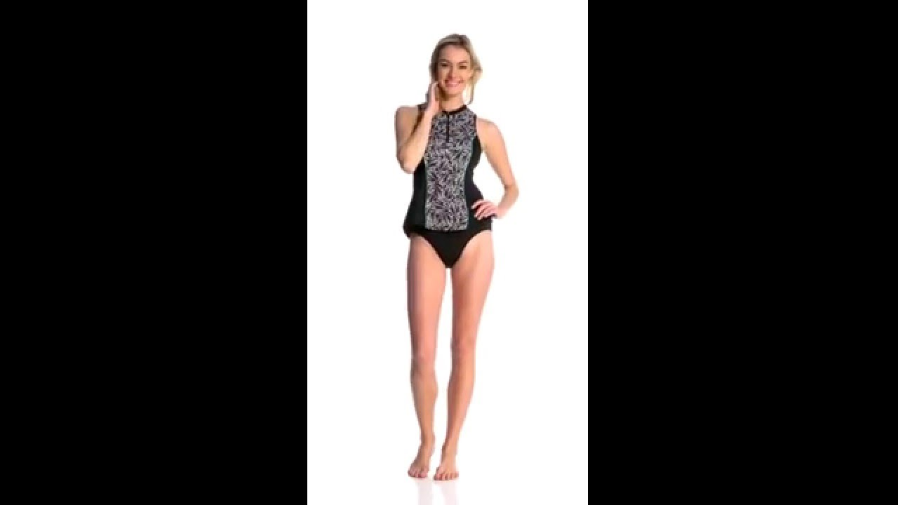 4337299cbf Fit4U Swimwear Twisted Sleeveless Rashguard
