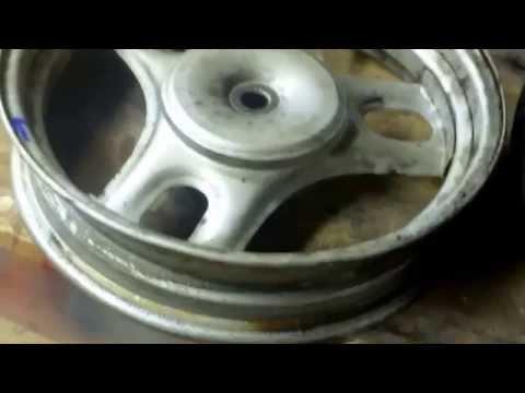 Replace Tire on 50cc Honda Metropolitan Scooter