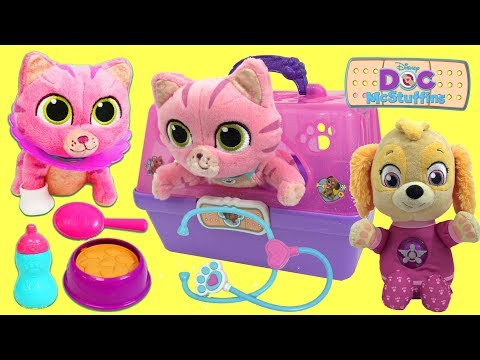 Paw Patrol Skye Gets a Doc Mcstuffins Toy Hospital On the Go Pet Carrier Kitten Playset
