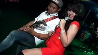 Download Video Polisi Voc. Erna Jenjen Susu Kiwo - OM. ZELINDA Live Bangsri Gede HUT RI 72 MP3 3GP MP4