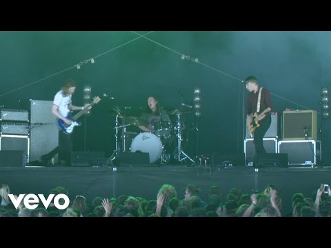 Drenge - We Can Do What We Want (Live) – Vevo UK @ Bestival 2015