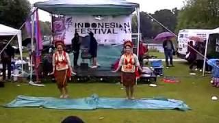 Yapong Dance Performance ( Tari Yapong ) / Indonesian dance