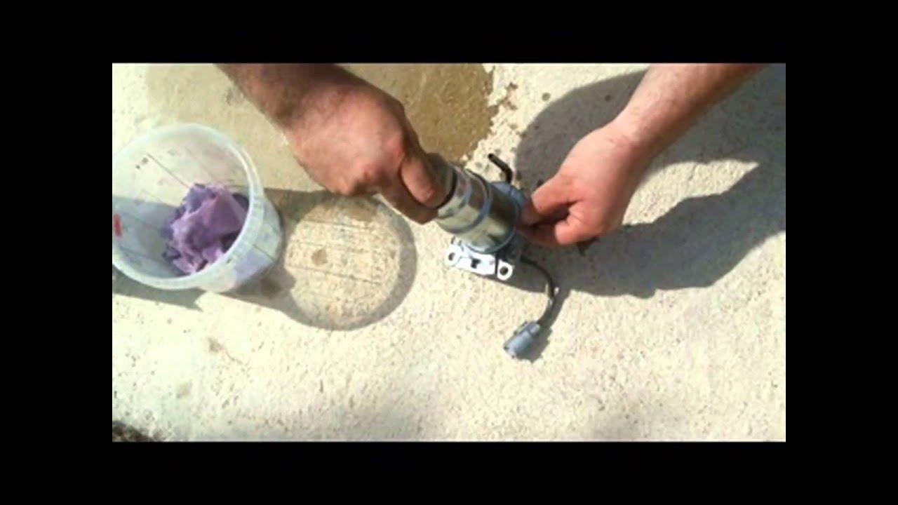 Cambiar Filtro Gasoil En Toyota Corolla Verso D4d Youtube