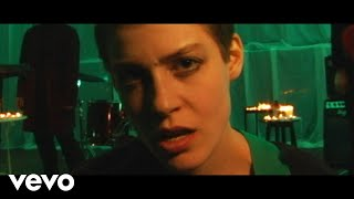 Porridge Radio - Sweet (Official Video)