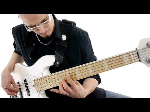 Lakland Skyline DJ5 Darryl Jones signature Video Test Gear in Action