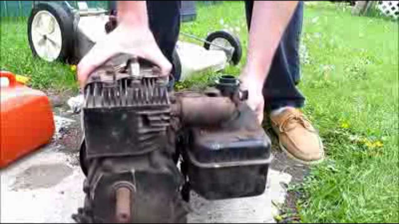 Free Motor! Will it start? 1970 3HP Briggs and Stratton - YouTube