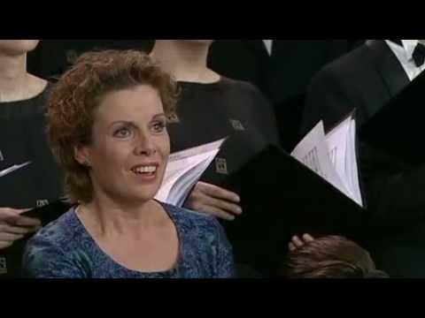 Esurientes Implevit - Bernarda Fink
