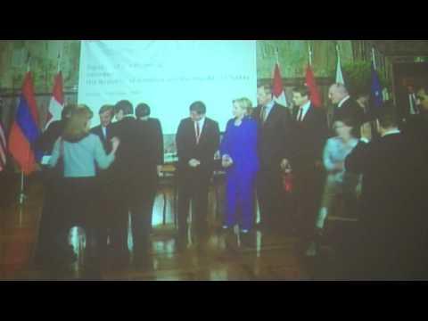 Armenian and Turkish foregin ministers Eduard Nalbandian and Ahmet Davutoglu after  signing