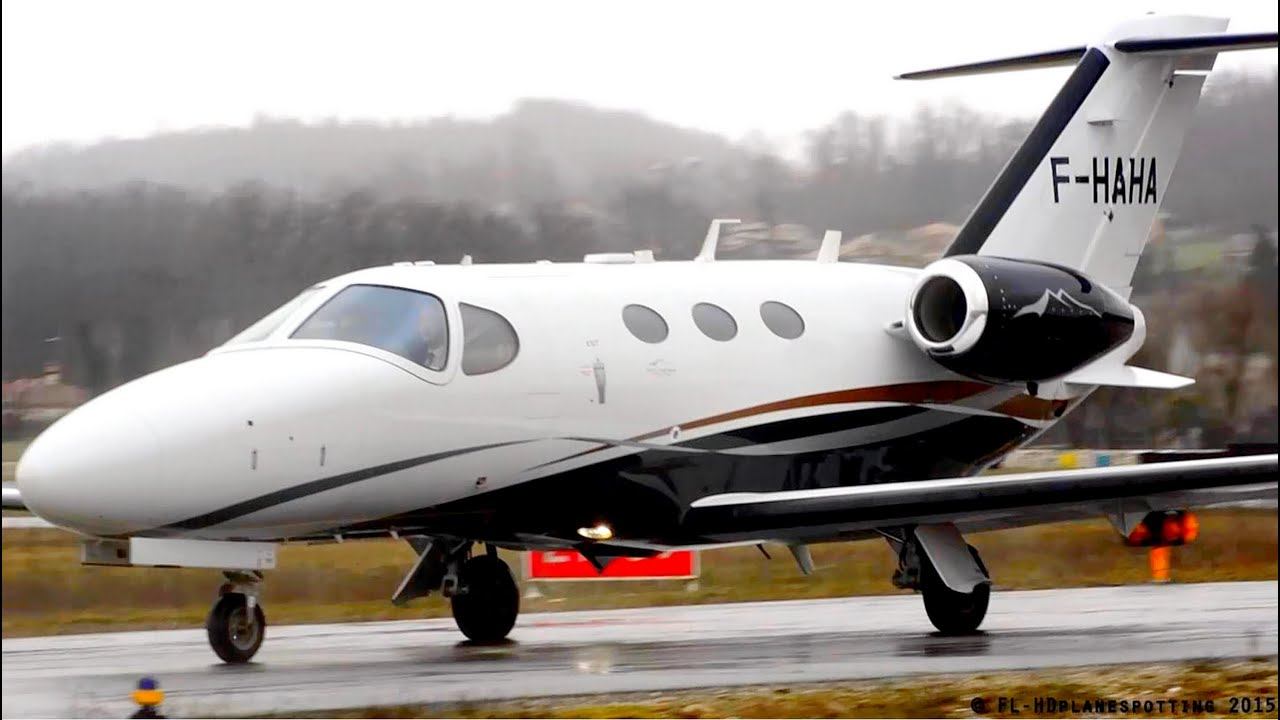 Cessna 510 Citation Mustang F Haha Close Landing Taxi