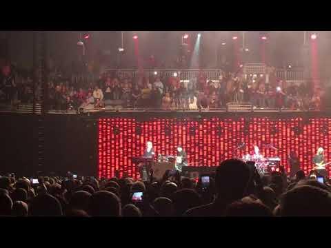 Elton John The Bitch is Back 11-11-2017 Evansville Indiana