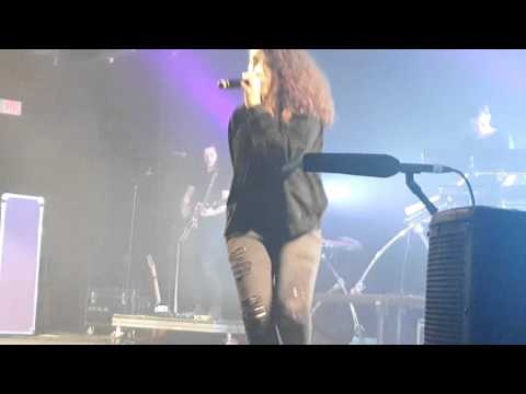 Alessia Cara - I'm Yours (Live)
