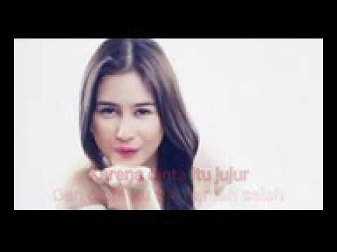 Prilly Latuconsina   Cinta Tak Pernah Bohong OST  BMBP