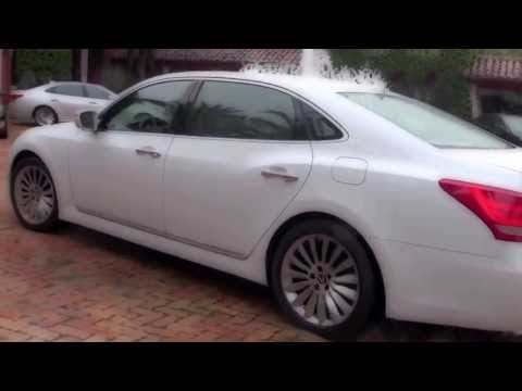 2014 Hyundai Equus drive under the rain in Miami
