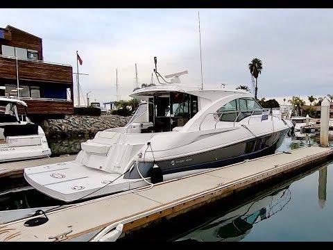 2017 Cruisers Yachts 45 Cantius Motor Yacht - Walkaround
