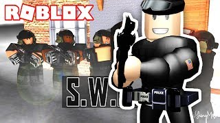 I BECOME IN ROBLOX SWAT POLICE!