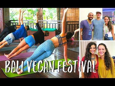 FullyRawKristina und den Macher von WHAT THE HEALTH getroffen   Bali Vegan Festival 2017