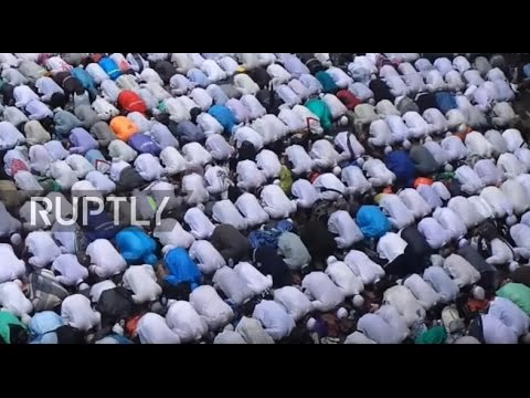 Indonesia: Hundreds of thousands rally against Jakarta govenor Ahok