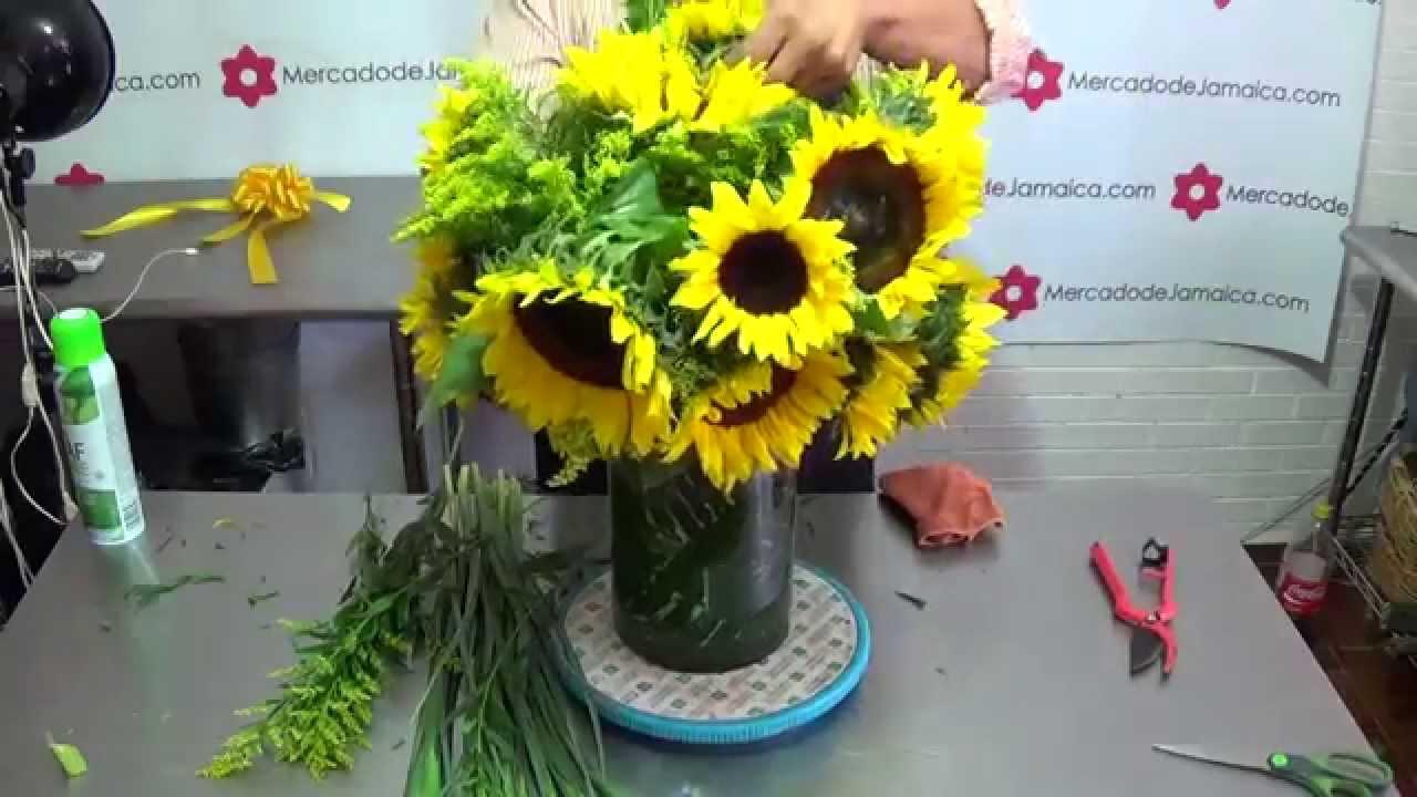 Arreglo Flores Girasoles E Iris Azul