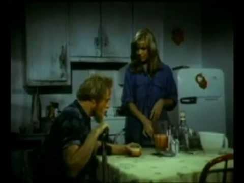 LESLIE PARRISH - The Giant Spider Invasion, ROBERT EASTON, ALAN HALE JR. (1975 Motion Picture)