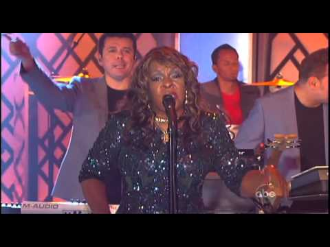 """The Crystal Method ft  Martha Reeves """"I'm Not Leaving"""" on Jimmy Kimmel Live"""