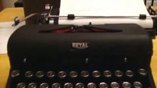 1942 Royal Quiet De Luxe typewriter