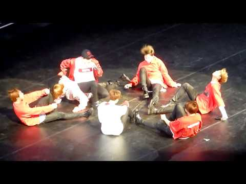 Highlights BTS Wings Tour in Sydney Australia 2017 [fancam]