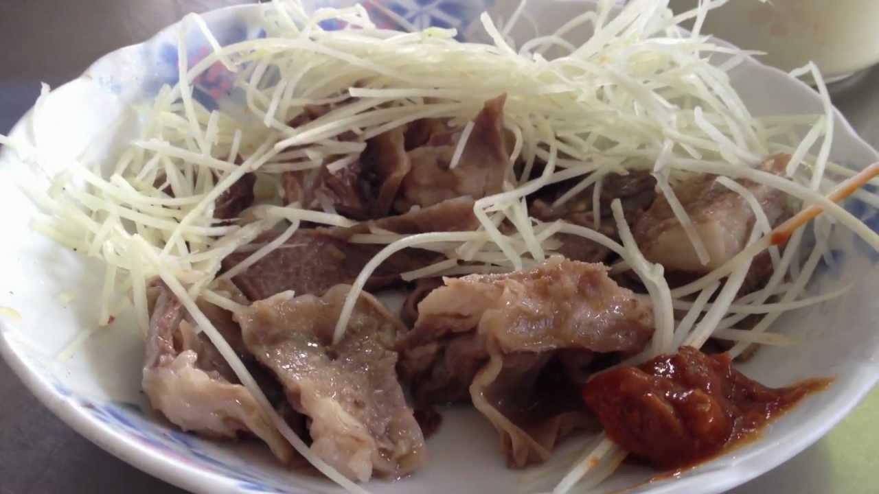 臺北人不能理解的臺南早餐/包成羊肉 - YouTube