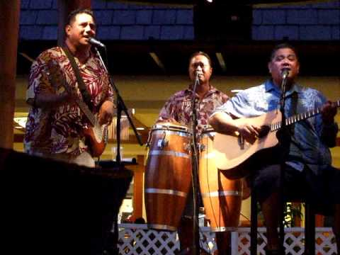 Ka Pilina by the Sean Na'auao Trio