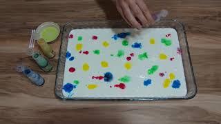 Süt ve deterjan ile çocuklar için Ebru Sanatı Etkinliği
