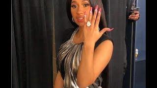 la rapera CARDI- B presenta su lujoso anillo