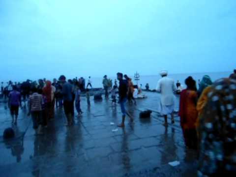 Nishkalank Mahadev Mandir in Ghogha Sea