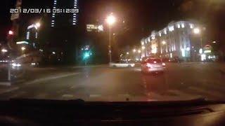 Напротив Центральной гостиницы столкнулись две иномарки – Subaru Legacy и Daewoo Nexia