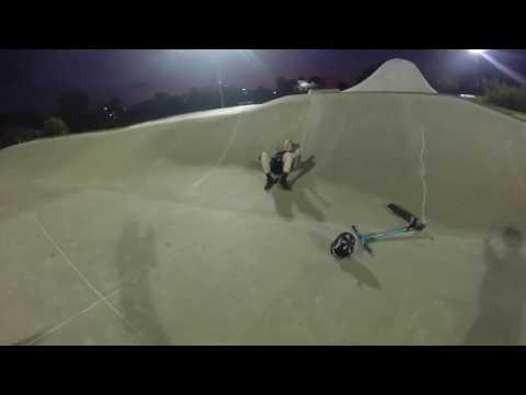 Autistic kid has breakdown at skatepark