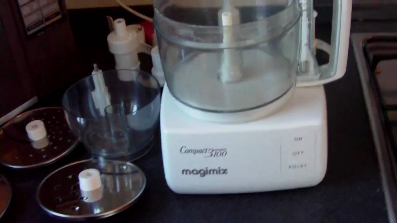 Magimix 3100 food processor for sale 2010 09 08 youtube for Cuisine 5100 magimix