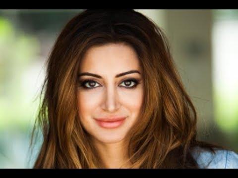 """Noureen DeWulf, actress, """"Chuck,"""" """"Anger Management,"""" """"Living Biblically"""""""