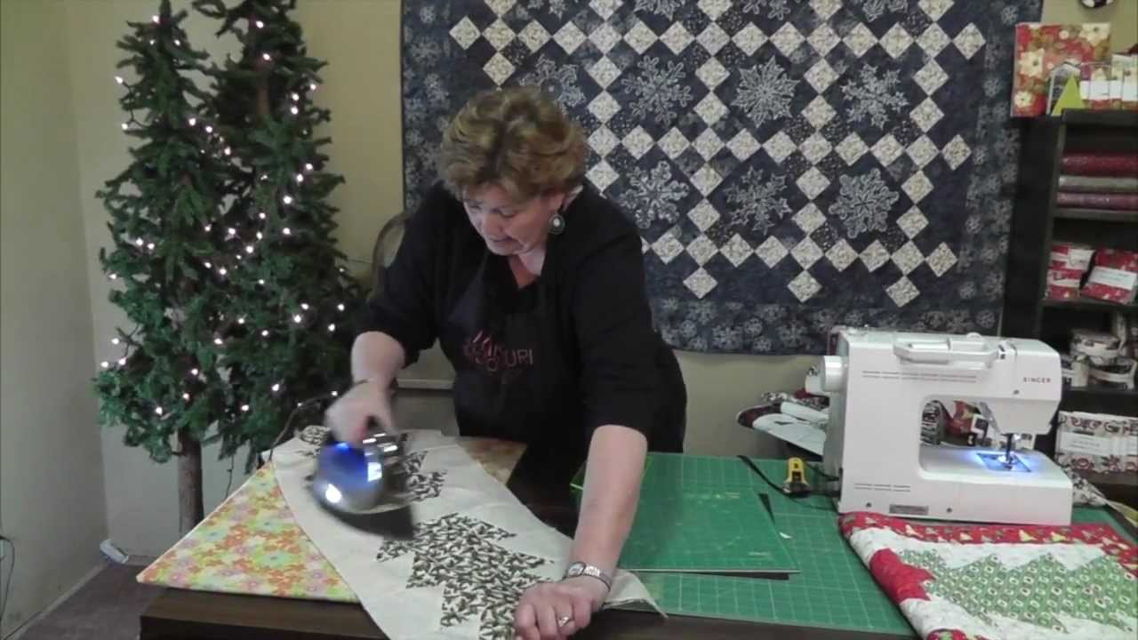Christmas Table Runner Patterns Free.Make A Christmas Table Runner Using The Half Hex Ruler