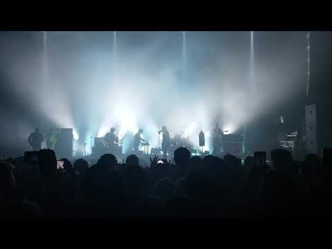 A Little Respect ('Nothing Compares 2 U' tease), THE STROKES, 05.13.19, The Wiltern, LA, CA