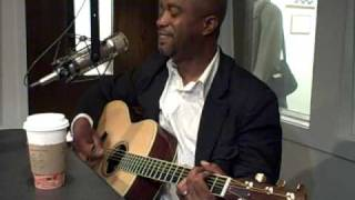 "Darius Rucker sings ""Let Her Cry"" in KFDI Studios"