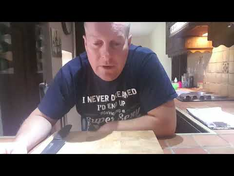 How to cut a hot croissant properly